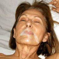 Françoise, 62 ans, aime le sperme